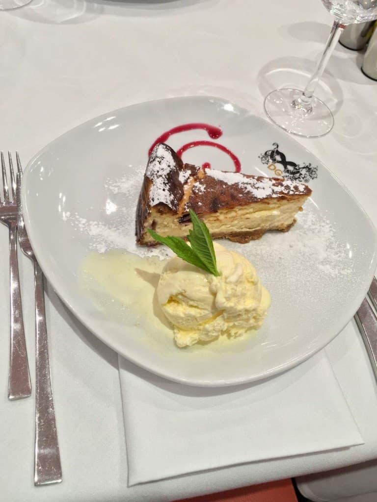 baked cheesecake Giovannis food italian restaurant knutsford